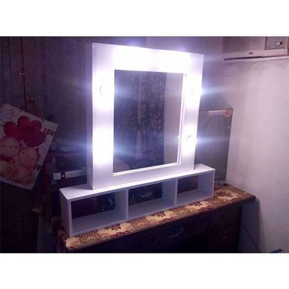 Picture of A luminous window for makeup